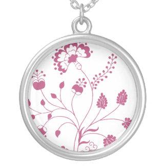 Flowers pendant necklace