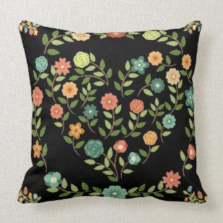 flowery heart almofada pillows