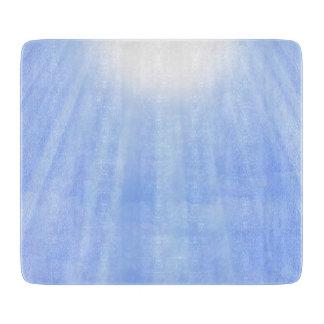 Fluir luz del sol a través de las nubes tabla de cortar