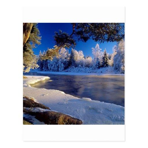 Flujo del hielo del río de la naturaleza postal