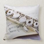 Flute 2 pillows