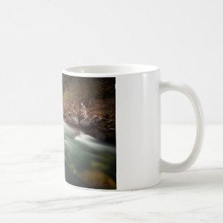 Fluye estáticamente taza de café