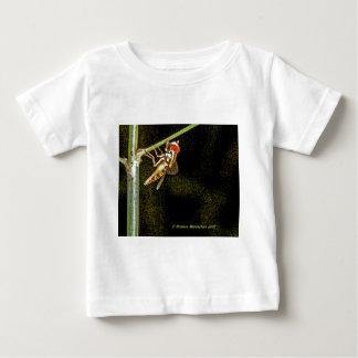fly a t-shirt
