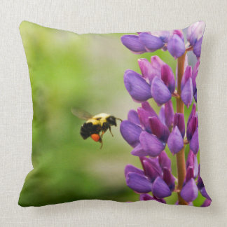 Fly Bee Throw Pillow