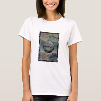 fly by alien world T-Shirt