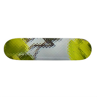 Fly on leaves skateboard deck