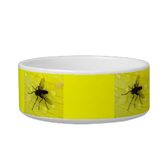 Fly Pet Bowl