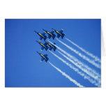 Flyby de los ángeles azules durante la semana 2 de tarjeta de felicitación