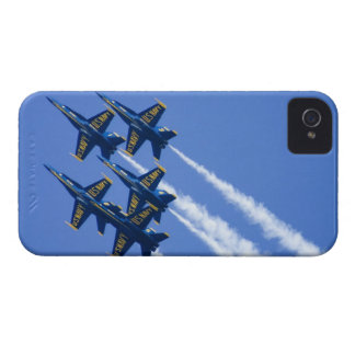 Flyby de los ángeles azules durante semana de 2006 iPhone 4 Case-Mate fundas