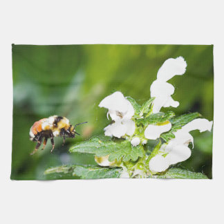 Flying Bumblebee Hand Towels