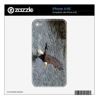 Flying Eagle Fishing 3 Wildlife iPhone 4 Skin
