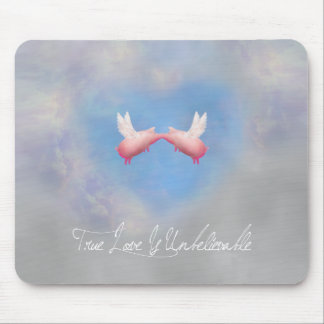 flying pigs kiss-true love is unbelievable mouse pad