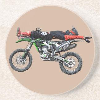 FMX - Truco aéreo III del motocrós del estilo Posavasos Cerveza