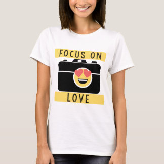 Focus on Love Emoji Inspiring Photography Lover T-Shirt