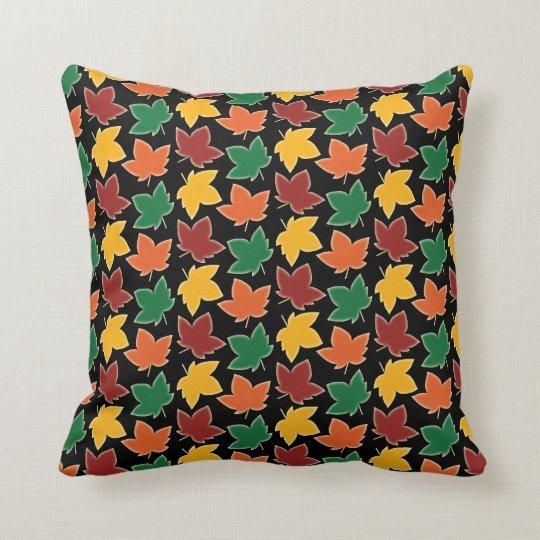 Follaje de otoño elegante de Nueva Inglaterra de Cojín Decorativo