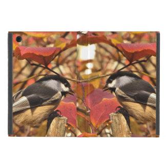 Follaje del otoño de la naturaleza con los pájaros iPad mini protector