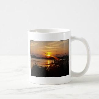 Follow the light home coffee mug
