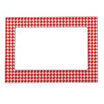 Fondo a cuadros rojo del mantel de la comida campe marcos magnéticos de fotos
