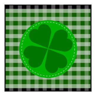 Fondo acanalado verde hearted del trébol w del cír perfect poster