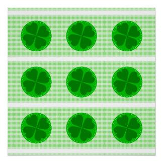 Fondo acanalado verde hearted del trébol w del perfect poster