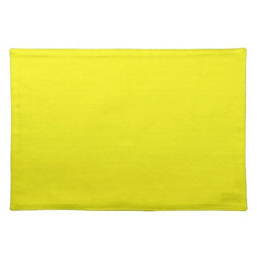 Fondo amarillo soleado brillante en un Placemat Manteles Individuales