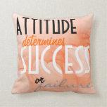 Fondo anaranjado del corazón del éxito de la actit almohada