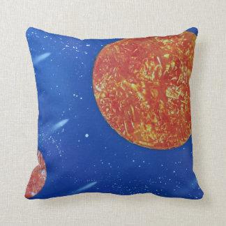 fondo azul de dos soles spacepainting cojín decorativo