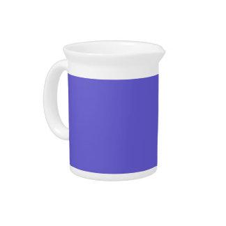 Fondo azul del Cornflower en una jarra