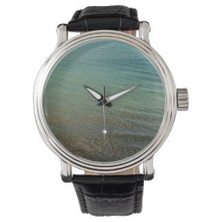 Fondo azul del mar relojes de pulsera