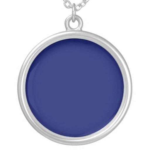 Fondo azul marino collares personalizados