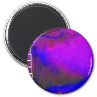Fondo azul y negro púrpura con la foto de la escal imán redondo 5 cm