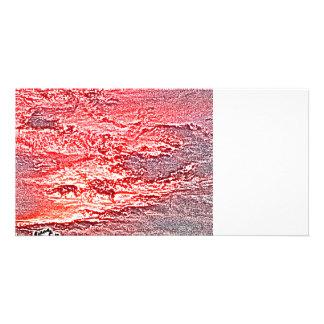 fondo coloreado rosa rojo abstracto de la puesta plantilla para tarjeta de foto