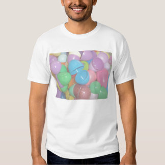 fondo colorido plástico del pastel de los huevos camisas