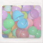 fondo colorido plástico del pastel de los huevos d tapete de ratones