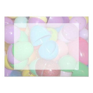"""fondo colorido plástico del pastel de los huevos invitación 5"""" x 7"""""""