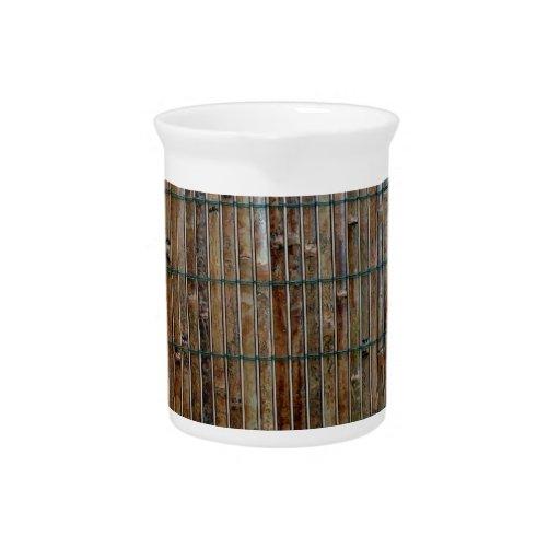fondo de bambú de la estera jarras de beber