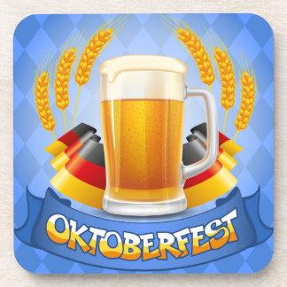 Fondo de la celebración de Oktoberfest con Posavasos De Bebidas