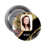 Fondo de la foto de la joyería del oro pin redondo 5 cm