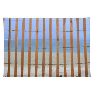 fondo de la playa de la cerca del torno de la manteles individuales