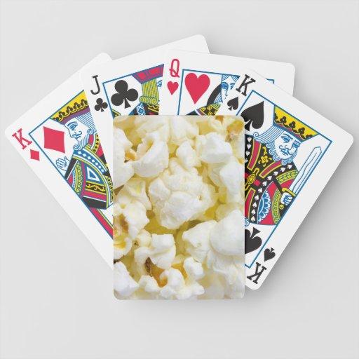 Fondo de las palomitas barajas de cartas