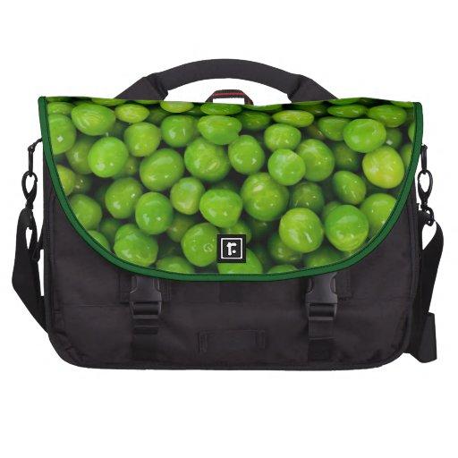 Fondo de los guisantes verdes bolsas de portatil