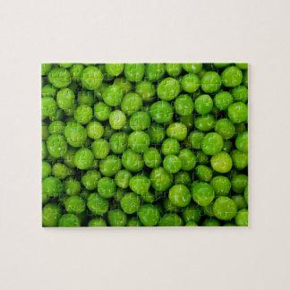 Fondo de los guisantes verdes rompecabeza