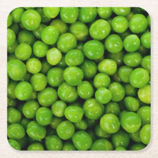 Fondo de los guisantes verdes posavasos desechable cuadrado