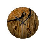 Fondo de madera oxidado reloj de pared