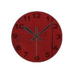 Fondo de madera rojo de la puerta de granero relojes de pared