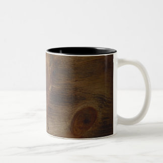 Fondo de madera rústico oscuro lindo de la mirada taza de dos tonos