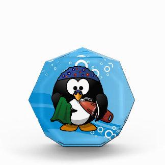 Fondo del agua del pingüino del nadador