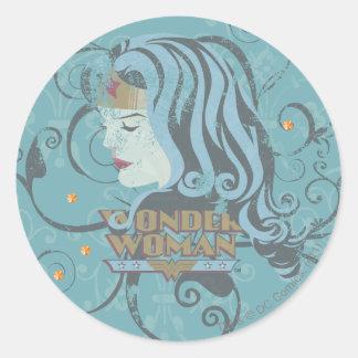 Fondo del azul de la Mujer Maravilla Etiquetas Redondas