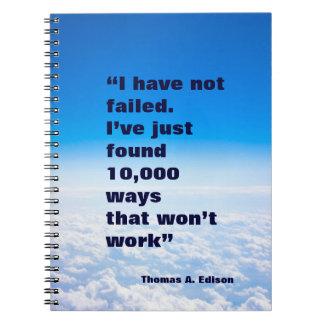 Fondo del cielo del éxito de la cita de Thomas Edi Cuadernos