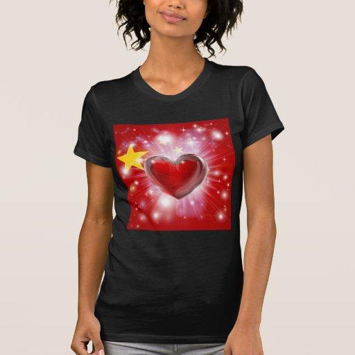 Fondo del corazón de la bandera de China del amor Camisetas